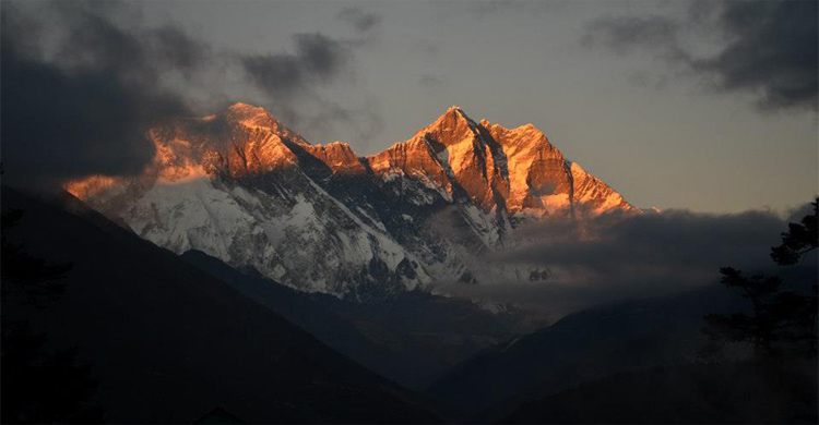sunset view from Tengboche