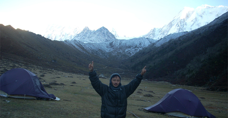 camp side in Bimthang